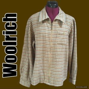 Woolrich long sleeved zip up top